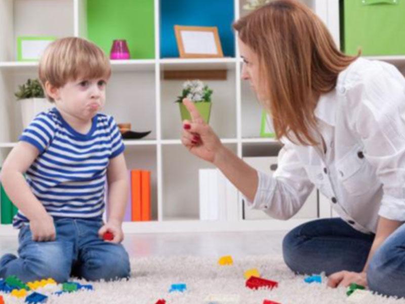 Πώς θα μάθετε στο παιδί να σέβεται τα πράγματα των άλλων